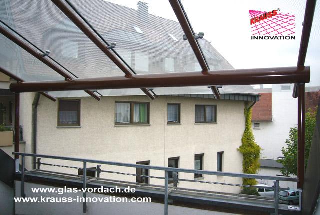 Glasueberdachung fuer innenliegenden Dach-Balkon direkt vom ...